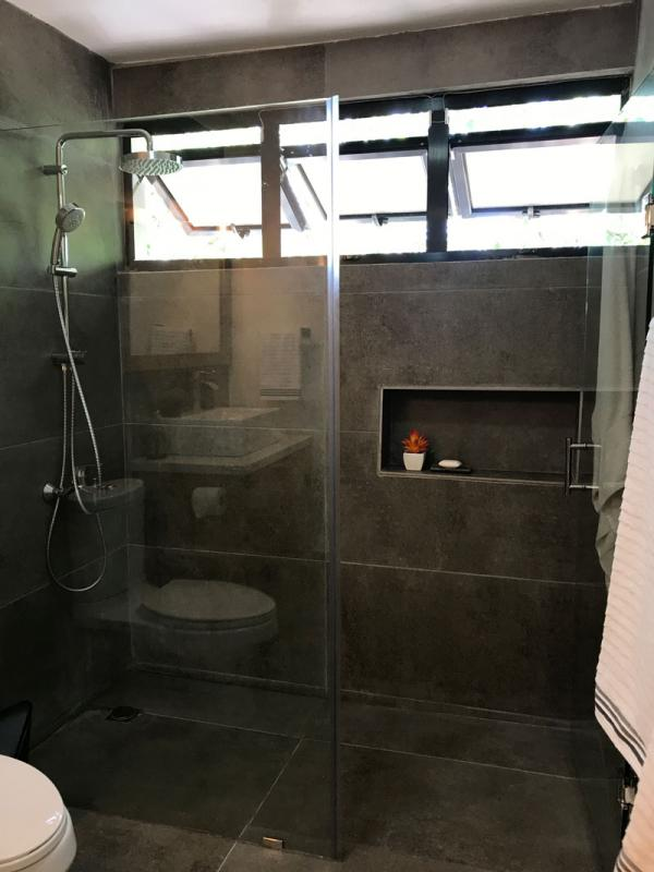 modern bathroom renovation dark grey shower 160318 200 04
